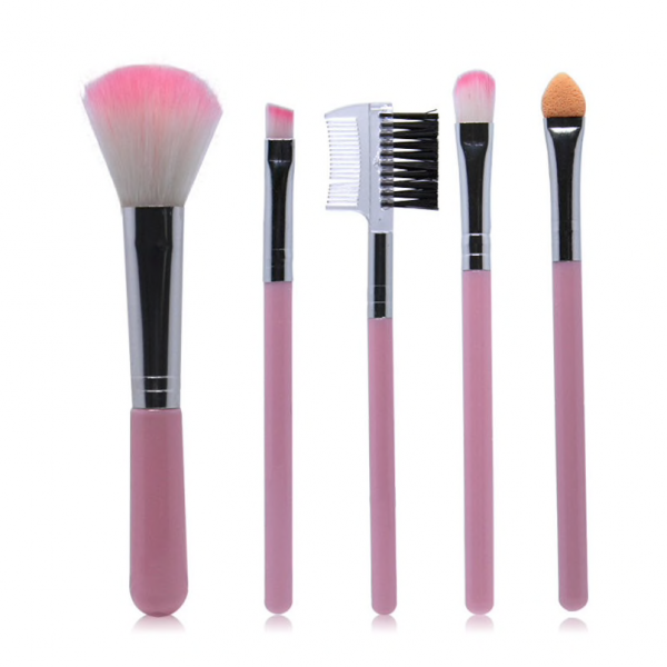 The 5 Piece Mini Makeup Brush Set is a favourite for the Festival go-er, beauty blogger & makeup junkie. A cute size to fit in your Makeup bag or Handbag.