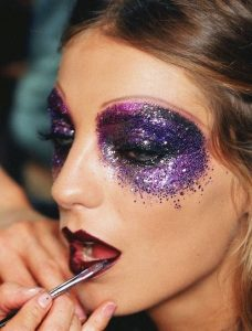 Creative Ways to Wear Glitter Makeup from Subtle to Super Glam!